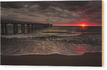Breaking Waves At The Pier Wood Print