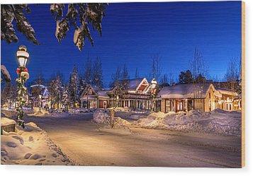 Breckenridge Winter Morning Wood Print by Michael J Bauer
