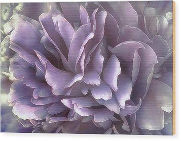 Wood Print featuring the photograph Breeze In Cool Lilac by Darlene Kwiatkowski