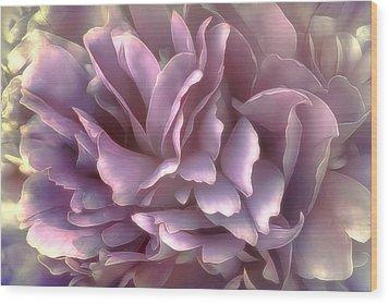 Wood Print featuring the photograph Breeze In Deep Pink by Darlene Kwiatkowski