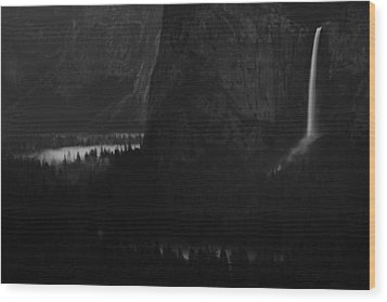 Bridalveil Falls Over Yosemite Valley Wood Print by Jetson Nguyen