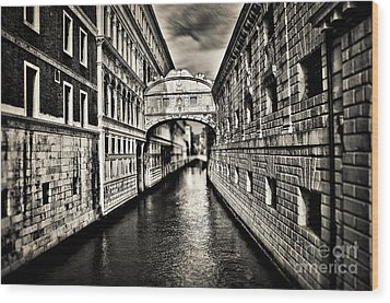 Bridge Of Sighs Wood Print by Alessandro Giorgi Art Photography