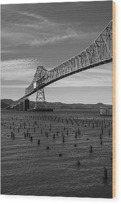 Bridge Over Columbia Wood Print by Jeff Kolker