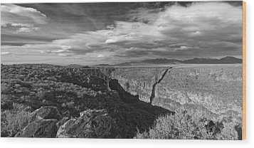 Bridge Over The Rio Grande Wood Print