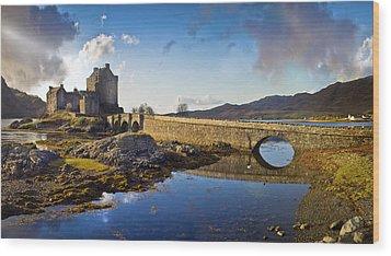 Bridge To Eilean Donan Wood Print by Gary Eason