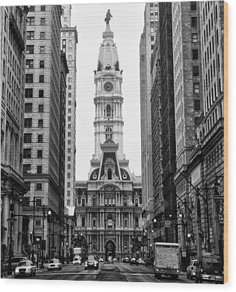 Broad Street At City Hall Wood Print by Bill Cannon