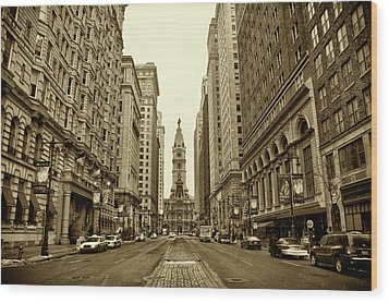 Broad Street Facing Philadelphia City Hall In Sepia Wood Print by Bill Cannon