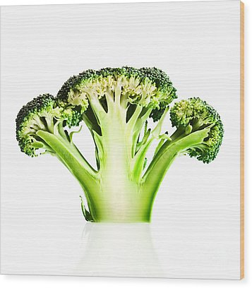 Broccoli Cutaway On White Wood Print by Johan Swanepoel