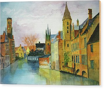 Brugge Belgium Canal Wood Print by Larry Hamilton