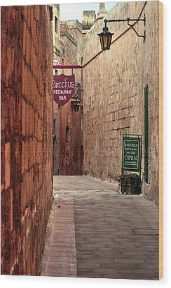 Wood Print featuring the photograph Bacchus Restaurant And Bar Malta by Tom Prendergast