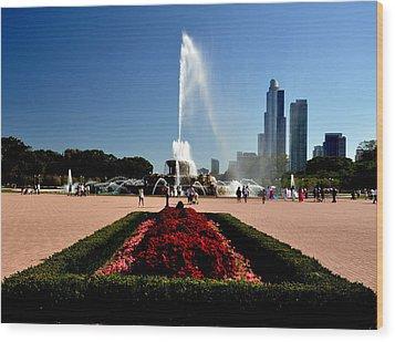 Buckingham Fountain Wood Print