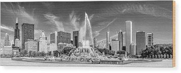 Buckingham Fountain Skyline Panorama Black And White Wood Print