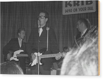 Buddy Holly Onstage At The Surf Ball Room Playing His Last Concert Wood Print by The Titanic Project