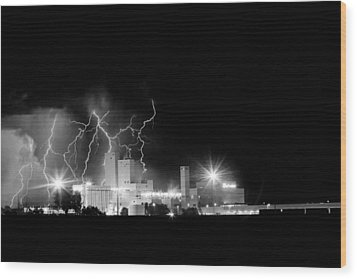 Budweiser Lightning Thunderstorm Moving Out Bw Wood Print by James BO  Insogna