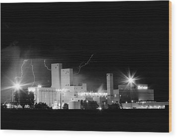 Budwesier Brewery Lightning Thunderstorm Image 3918  Bw Wood Print by James BO  Insogna