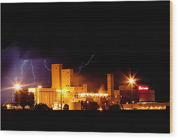 Budwesier Brewery Lightning Thunderstorm Image 3918 Wood Print by James BO  Insogna