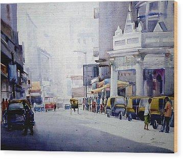 Wood Print featuring the painting Busy Street In Kolkata by Samiran Sarkar