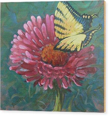 Butterfly On Zinnia  Wood Print