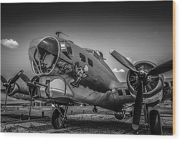 Bw B17 Flying Fortress Wood Print