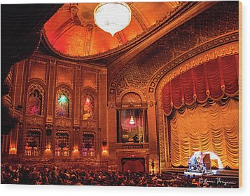 Byrd Theatre Organist II Wood Print by Jean Haynes