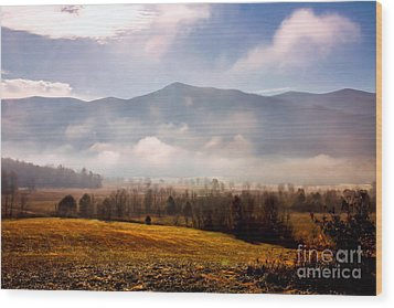 Cades Cove Misty Morn Wood Print