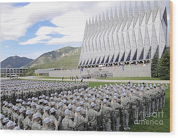 Cadets Recite The Oath Of Allegiance Wood Print by Stocktrek Images