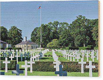 Cambridge England American Cemetery Wood Print by Alan Toepfer