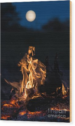 Camp Fire And Full Moon Wood Print