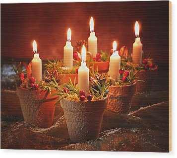 Candles In Terracotta Pots Wood Print by Amanda Elwell