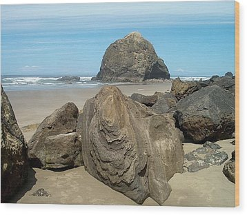 Cannon Beach Boulders Wood Print