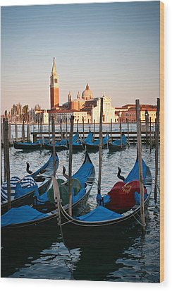 Capturing Venice  Wood Print by Carl Jackson