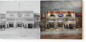 Car - Garage - Hendricks Motor Co 1928 - Side By Side Wood Print by Mike Savad