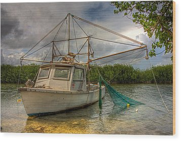 Card Sound Fishing Boat Wood Print by William Wetmore