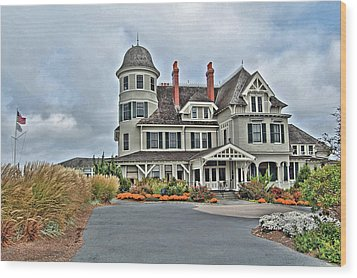 Castle Hill Inn Wood Print