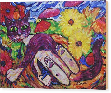 Cat Among Daisy Petals Wood Print by Dianne  Connolly