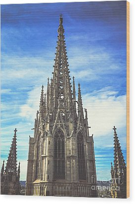 Wood Print featuring the photograph Catedral De Barcelona by Colleen Kammerer