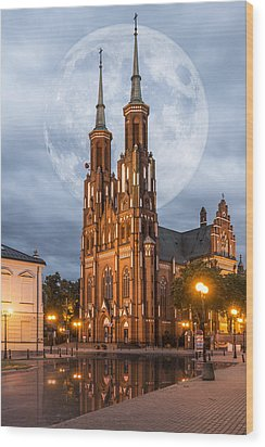 Wood Print featuring the photograph Cathedral by Jaroslaw Grudzinski