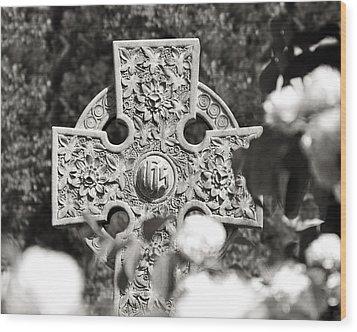 Celtic Cross I Wood Print by Tom Mc Nemar