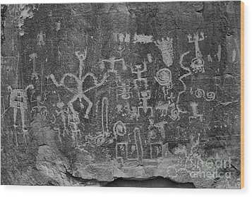 Wood Print featuring the photograph Chaco Canyon Petroglyphs Black And White by Adam Jewell