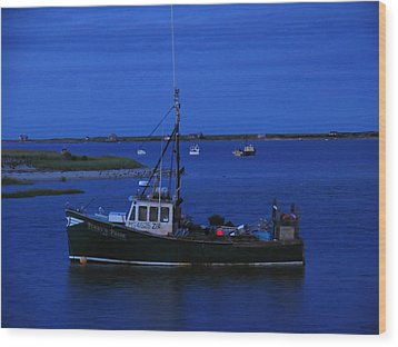 Chatham Pier Fisherman Boat  Wood Print by Juergen Roth