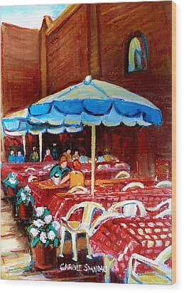 Checkered Tablecloths Wood Print by Carole Spandau