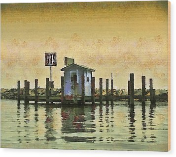 Chestertown Gas Dock Wood Print