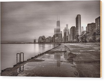 Chicago Foggy Lakefront Bw Wood Print