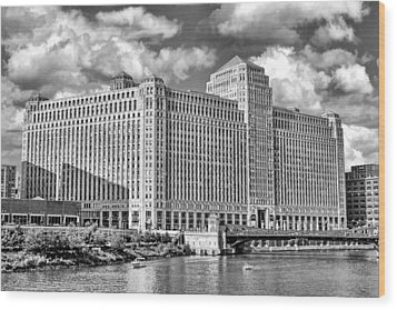 Wood Print featuring the photograph Chicago Merchandise Mart Black And White by Christopher Arndt
