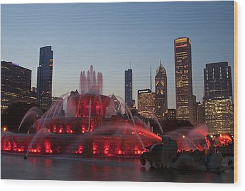 Chicago Skyline And Buckingham Fountain Wood Print by Sven Brogren