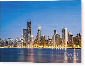 Chicago Skyline At Twilight Wood Print by Paul Velgos