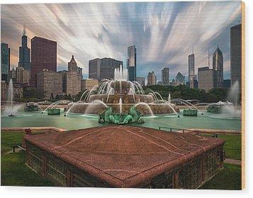 Chicago's Buckingham Fountain Wood Print by Sean Foster