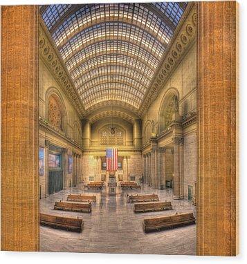 Chicagos Union Station Wood Print by Steve Gadomski