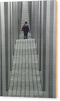 Child In Berlin Wood Print