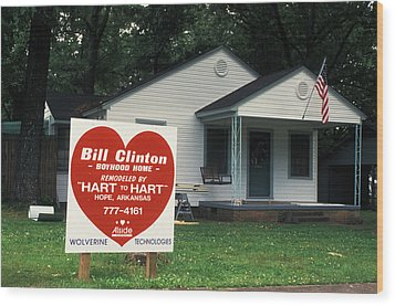 Childhood Home Of Bill Clinton Wood Print by Carl Purcell